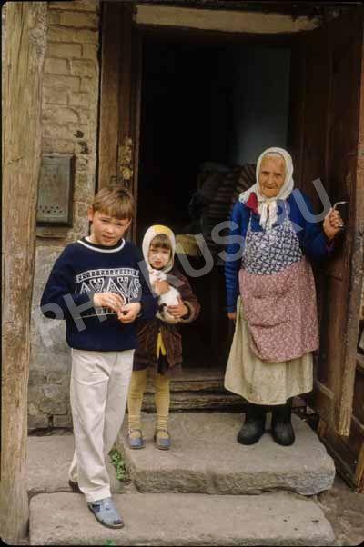 Старушка со внуками фото 165-168